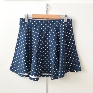 2/25 NWOT Navy Polkadotted Skirt with zipper